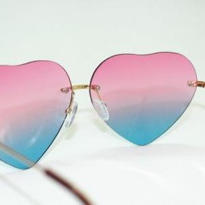 Gradient heart-shaped sunglasses